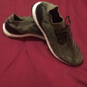 Men's Adidas Ultra Boost Uncaged Size 13